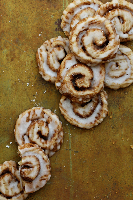 Cinnamon Roll Cookies - Pocketful of Sugar